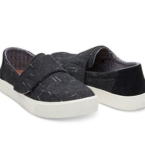 NIB TOMS ALTAIR BLACK DOTTED WOOL SUEDE LAST ONE!